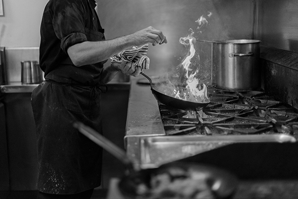 Chef, Cooking, Kitchen, Lifestyle Photography, Bella Restaurant, Yarra Valley Lodge
